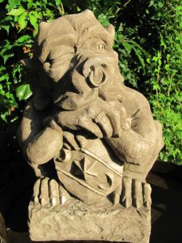 Gargoyle SHIELD | Fiona Scott © | Devonshire Statuary